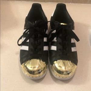Adidas sneakers in good condition!!!!!